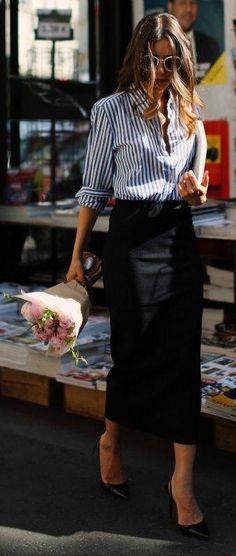 ce4283494ce Fashion Inspiration with midi skirt Parisian Chic Fashion