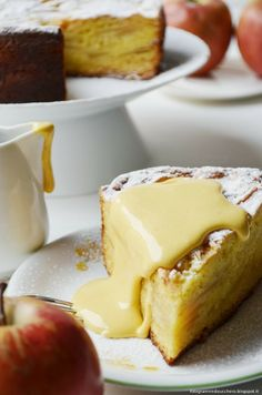 Torta di mele con zabaione caldo al passito Apple pie with Hot passito zabaione