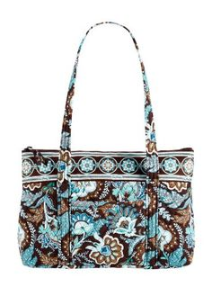 Vera Bradley-I like this print for diaper bag! Vera Bradley Tote Bags, Vera Bradley Purses, Vera Bradley Patterns, Steam Punk Jewelry, Gucci Purses, Platform Pumps, Betsey Johnson, Coach Bags, Diaper Bag