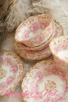 Tea Pot Set, Pot Sets, Vintage China, Vintage Tea, Vintage Stuff, Vintage Dinnerware, China Dinnerware, Spaceship Interior, Rose Tea