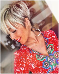 Best Practicality Pixie Haircut Ideas, Best Short Hair for Female Source by Cool Short Hairstyles, Short Pixie Haircuts, Hairstyles Haircuts, Short Hair Cuts, Short Hair Styles, Haircut Short, Hairstyles Videos, Short Hair Long Bangs, Edgy Pixie Cuts