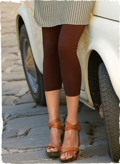 The cropped pima (94%) and spandex (6%) jersey leggings, in Mahogany, Olive, Marble or Black.