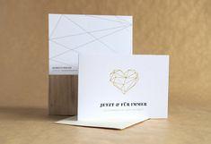 """""""Jetzt  Für Immer"""" – Liv ist modern und grafisch. Durch den Golddruck und die reduzierte Gestaltung wirkt die Karte sehr elegant und edel und bezaubert durch ihren unkonventionellen Spruch. Liv, Gold Print, Place Cards, Place Card Holders, Elegant, Modern, Prints, Paper, Heart Map"""