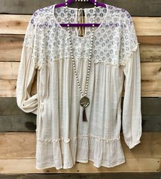 We love this simple, light and flowy top. $42 #beulahbelledesigns #soboho