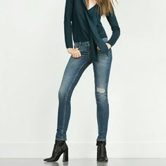 ($29 thru offer button)Zara mid rise skinny jean Br and new. Distressed knee. 99% cotton 1% elastane. Zara basic denim dept. Zara Jeans Skinny