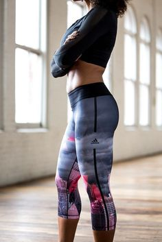 Blush/pink lava skyline Adidas Capri compression pants, long-sleeve crow crop