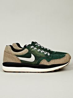 Nike Men's Air Safari Vintage Sneaker in green / grey at oki-ni
