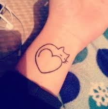 Resultado de imagem para tatuagem eu amo gatos