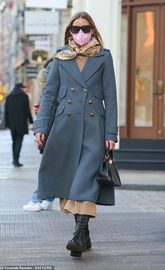 Scarf Knots, Black Lace Up Boots, Olivia Palermo Style, Blue Coats, Winter Fashion, Nyc, Sweaters, Jackets, Winter Style