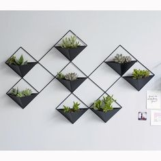 Cache-pot mural métal IKEBANA - Expolore the best and the special ideas about Mobile design Ikebana, Wall Plant Pot, Wall Design, Home Design, Metal Wall Planters, Wall Mounted Planters, Concrete Planters, Hanging Planters, Green Wall Decor