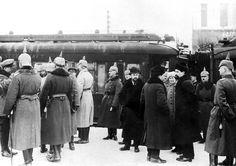 El armisticio de Brest - Litovsk  Recepción de la delegación rusa en la estación de Brest - Litovsk. Foto gentileza Sr Manuel Gimenez Puig Brest Litovsk, Wwi, Ukraine, Parking Lot, Photos