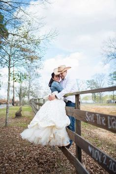 """This is just a """"Save The Date"""" photo shoot.  I would love to see the wedding photos!  This photo shoot is an inspiration for the bride who wants to make a country wedding in your ranch or farm.  The bride's mother made the dress and the boots costumizou.  The bridal bouquet is composed of field flowers, smiley that were freshly picked.  All rural atmosphere is evident in photographs taken at the farm of the bride."""