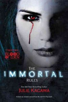 A first installment in a new series by the author of the Iron Fey novels follows the struggles of a newborn vampire whose creator demands that she accept her inevitable killing of humans.