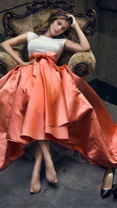 Orange Wedding Colors, Peach Colors, Orange Color, Runway Fashion, High Fashion, Southern Belle, Coral Pink, Blush Pink, Elegant Woman