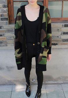 Camouflage Single Breasted Pockets V-neck Long Sleeve Thick Oversized Cardigan Sweater