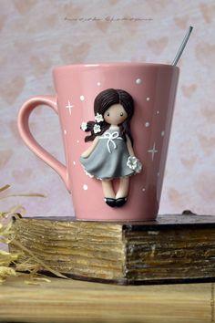 """Купить Кружка с декором из полимерной глины """"Ясмина"""". Кружка с девочкой - подарок ребенку, подарок девушке"""