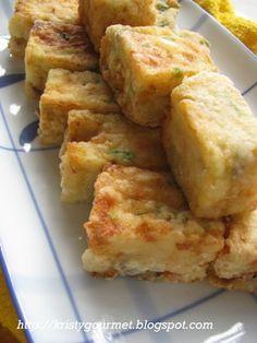 Homemade Golden Seafood Tofu @ Hai Xian Tofu http://kristygourmet.blogspot.com/2013/03/homemade-golden-seafood-tofu-hai-xian.html