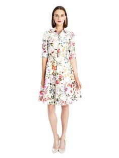 How about that?! A flowery and elegant dress, both in the same time ;) by Oscar de la Renta