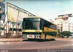 Ônibus da empresa Expresso Caxiense, carro 520, carroceria Marcopolo III, chassi Scania BR116. Foto na cidade de Porto Alegre-RS por ACERVO DELTABUS In Memorian, publicada em 20/04/2016 00:21:49.