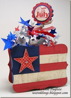 LeAnne Pugliese - WeeInklings: More Americana Top Note flag box Candy Gift Baskets, Raffle Baskets, 4th July Crafts, Military Cards, Candy Bouquet, Patriotic Decorations, Craft Fairs, Independence Day, Fourth Of July