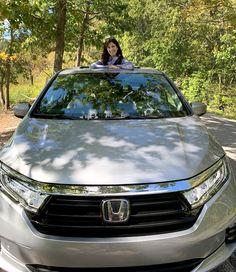 2021 Honda Odyssey – Mom's New Best Friend. Moms Best Friend, Best Friends, Honda Odyssey Reviews, Honda Cars, Best Cruise, Nice View, Comebacks, Minivan, Taxi