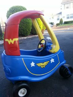 Wonder Woman Make Over for Little Tikes Cozy Coupe - Little Girl Little Tykes Car, Toddler Toys, Kids Toys, Cozy Coupe Makeover, Superhero Party, Future Baby, Diy For Kids, Kids Playing, Baby Car Seats