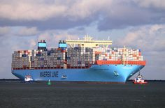 3060x2014 Pretty container ship