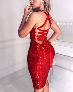 Sexy Sequined Bandage Bodycon Dress Women Sleeveless Backless Knee Length High Waist Party Dress Women Solid Sequin Vestidos, Red / S Trend Fashion, Fashion Mode, Fashion Styles, Latest Fashion, Red Sleeveless Dress, Red Bodycon Dress, Boho Stil, Party Dresses For Women, Mini Dresses