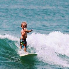 When you were born an absolute legend!Multi-tasking at its finest! $20 for the first person who can pull this off Weekend fun with @surfer_world_ XO #trustthebum #babybum #surf #gromlife #shredder