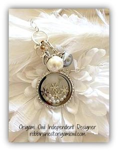 Let It Snow... this is soooo pretty! awesome work from another designer... http://charminglifestory.origamiowl.com/ ‬ ‪#‎OrigamiOwl‬ ‪#‎LivingLockets