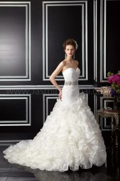 Join us at Wedding Angels on Oct 12th-14th for the Jasmine Couture Trunk Show!