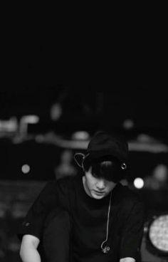 Suga Black and White Bts yoongi Suga Black and Bts Suga, Kim Namjoon, Min Yoongi Bts, Seokjin, Hoseok, Suga Wallpaper, Min Yoongi Wallpaper, Black Wallpaper, Bts Black And White