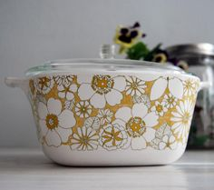 """Vintage Pyrex """"Floral Bouquet"""" 1971 - I saw this same one at the thrift store but the lid was badly damaged"""