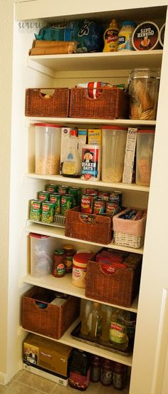 ORGANIZE KITCHEN Cooking With Libby: Pantry Organization {Kitchen Organization} Rack to see all of the cans, baskets for individually wrapped granola bars, chips for lunches and plastics for flour, sugar, etc. Lazy susan for extra condiments. Kitchen Organization Pantry, Kitchen Pantry, Closet Organization, Kitchen Storage, Kitchen Decor, Organization Ideas, Pantry Ideas, Storage Ideas, Kitchen Ideas