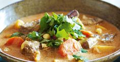 Slow-cooker massaman beef curry - Take your tastebuds on an exotic trip with this authentic Thai curry dish. Slow Cooker Massaman Beef, Beef Massaman Curry, Slow Cooker Curry, Best Slow Cooker, Slow Cooker Recipes, Beef Recipes, Cooking Recipes, Slower Cooker, Soup Recipes