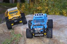 Only 8 inches in length, the Cosmic Rocket 4CH  R/C Truck can maneuver anywhere