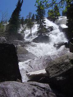 Hiking Bells Canyon Falls