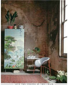 Elle Decoration via Bright Bazaar: Mural on the furniture instead of wall. Interior Flat, Interior And Exterior, Decoration Inspiration, Interior Design Inspiration, Chinoiserie Wallpaper, Decoration Originale, Blog Deco, Paint By Number, Painting Cabinets