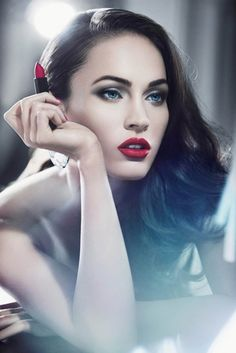 Megan Fox is the face of Giorgio Armani's new summer 2011 beauty ad campaign. The actress posed for the beauty line, featurin. Giorgio Armani Beauty, Armani Makeup, Hollywood Photo, Hollywood Actor, Hollywood Actresses, Hollywood Glamour, Maquillaje Megan Fox, Most Beautiful Women, Simply Beautiful
