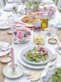 Los alimentos de colores llamativos también sirven para decorar
