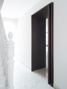 serge schoemakers utrecht townhouse is a striking alteration to the neoclassical ideal