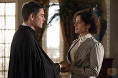 Sofia y Padre Grau Gran Hotel, I Fall In Love, Tv Series, Drama, Romance, Actors, Movies, Beautiful, Father