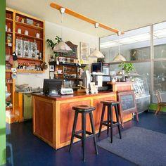 Proč navštívit kavárnu mamacoffee - Vodičkova? Protože se nachází v super dostupné poloze Prahy a naleznete zde prosluněné místnosti a fair trade kávu. Víca na https://www.storyous.com/cz/mista/podnik/praha-mamacoffee-vodickova/