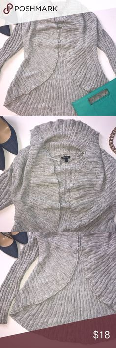 Apt. 9 Gray Draped Cardigan Gray Cardigan from Apt. 9. In great condition! Bundle up or feel free to leave an offer! Apt. 9 Sweaters Cardigans