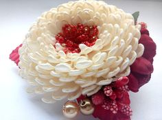 French barrette/Kanzashi flower/Hair accessories/Hair barrette/Kanzashi hair clip  Also perfect for Holiday Gifts, Birthdays, Church, Weddings, Flower Girls, or Family Pictures.  About 3,54 inches length of the entire flower arrangement  100% handmade for sure!  Ready to ship