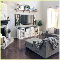 65 Cozy Apartment Living Room Decorating Ideas Many small li. - 65 Cozy Apartment Living Room Decorating Ideas Many small living room ideas rev - Small Space Living Room, Big Living Rooms, Design Living Room, Cozy Living, Barn Living, Living Area, How To Decorate Small Living Room, Country Living, Country Style