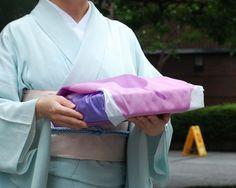 Pear Purple-You nashi- – eco wrapping with Furoshiki #Furoshiki #Fabric #Gift #Wrapping #Wrappingpaper #Japanese #Eco #Ecology #Environment #Creative #Wrap #Origami #Ideas #Textile #Art #Cotton #Fruits #Cloth