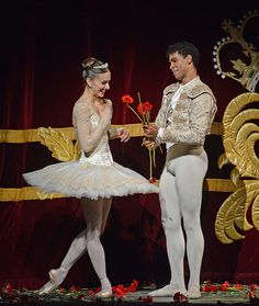 Royal Ballet's Don Quixote (a new production by Carlos Acosta) - the curtain calls from the opening night gala show. ----------------- That Tutu! AHHH! <3