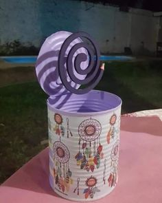 Nature Crafts, Home Crafts, Diy And Crafts, Tin Can Crafts, Metal Crafts, Wood Yard Art, Tin Can Art, Diy Plastic Bottle, Diy Canvas Art