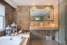 Arquitecto Daniel Tarrio y Asociados, Casa 9 - klara Suite Principal, Living Comedor, Sweet Home, Bath, Mirror, Room, Design, House, Furniture